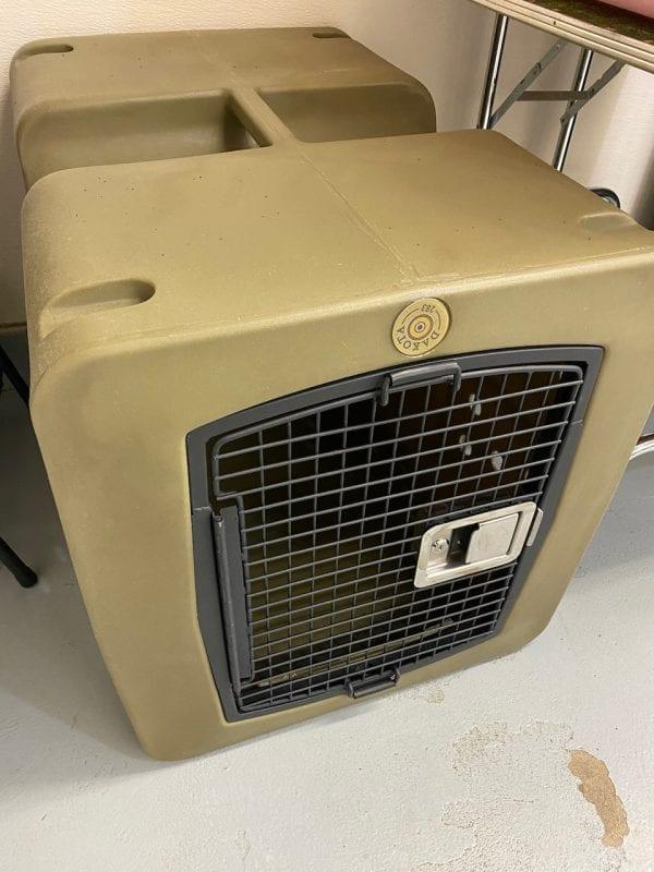 Dakota 283 dog crate large green
